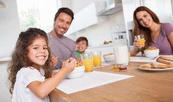Eten met het gezin zorgt voor gezonder eetpatroon
