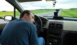 Wat kunt u doen tegen vermoeidheid achter het stuur?