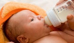Europees Voedselagentschap wil minder eiwit in opvolgmelk